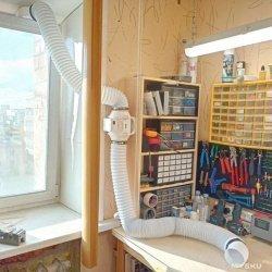 Самодельная вытяжка для пайки с отводом в окно