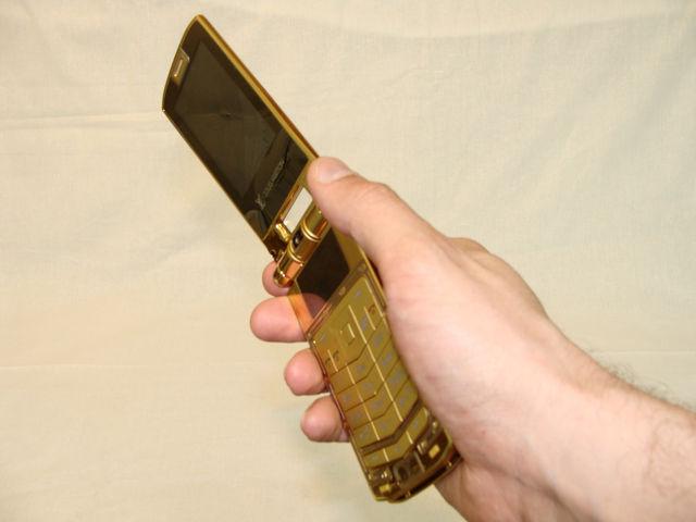 Телефон в руке 3