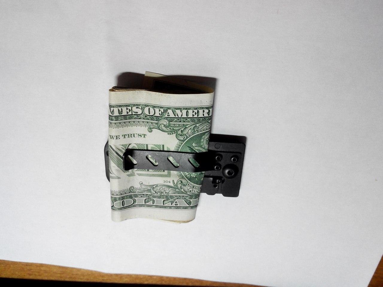 Aliexpress: Нож-зажим для денег а-ля Columbia