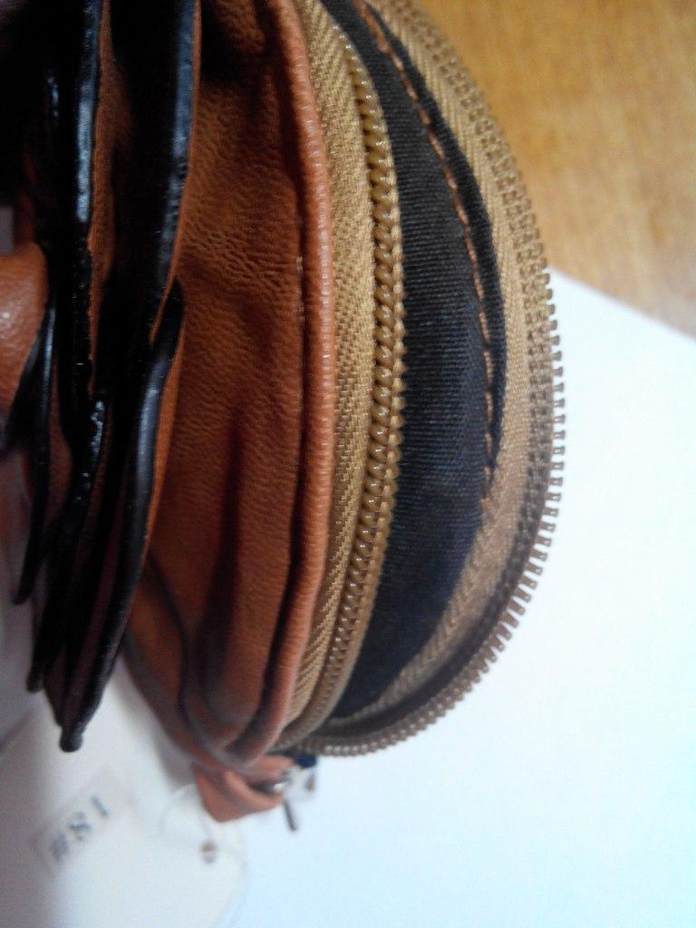 Aliexpress: Женский кошелек типа 'Камелия'