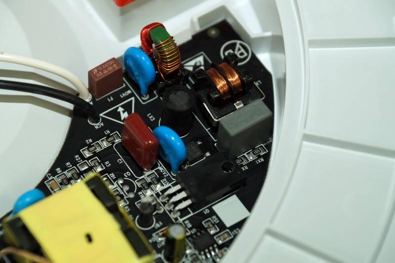 GearBest: Потолочный светильник с регулируемой яркостью и температурой света от Xiaomi