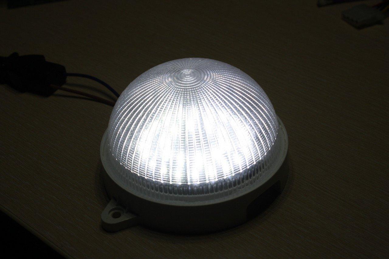 ДБО 10-5-005. Светодиодный светильник для ЖКХ с фотошумовым датчиком